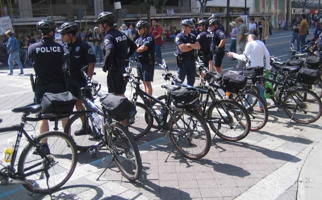 Policajci na biciklima