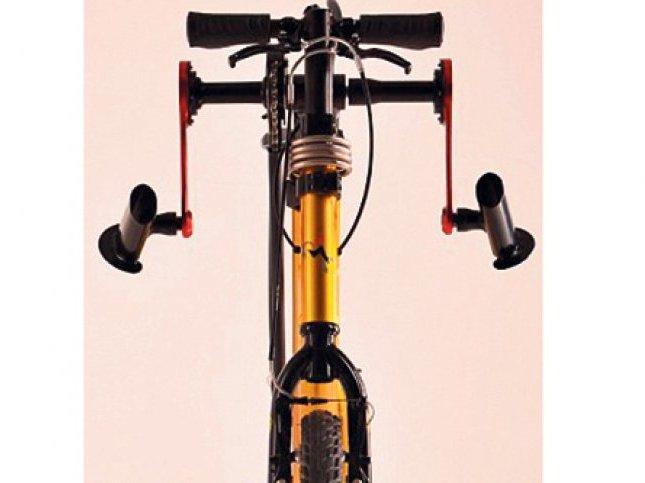 biciklisti-voznja-pedale-ruke-1378333733-361763