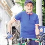 """Na biciklu 35 kilometara dnevno, a za automobil """"nesposoban"""""""