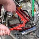 Krađa bicikla za deset sekundi: Prepoznajete li ovog lopova?
