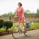 Kako da voziš bicikl u suknji, a da ne…