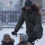 Kako princeza Danske vodi svoju decu u vrtić: biciklistkinja o kojoj svi bruje