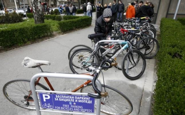 Goran-Vesic-Parking-servis-Parking-za-bicikle-kod-opstine-Vracar-Foto-Telegraf26-620x350
