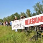 """KRITIČNA MASA Biciklisti """"zaključali"""" rampu na Savskom nasipu"""