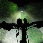Svetlo na biciklu glavu čuva