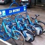 Cikliranje bicikli dostupni za iznajmljivanje