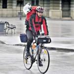 Prvi gradski kurir na biciklu